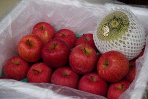 店内果物商品 りんごとメロン
